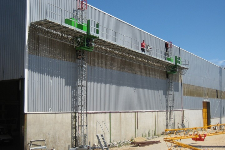 Double Mast Climber Scaffold For Construction , Aerial Work Platforms