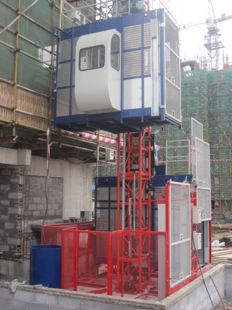 Twin Cage Scaffold Hoist / Material Hoist 1000kg Load Capacity